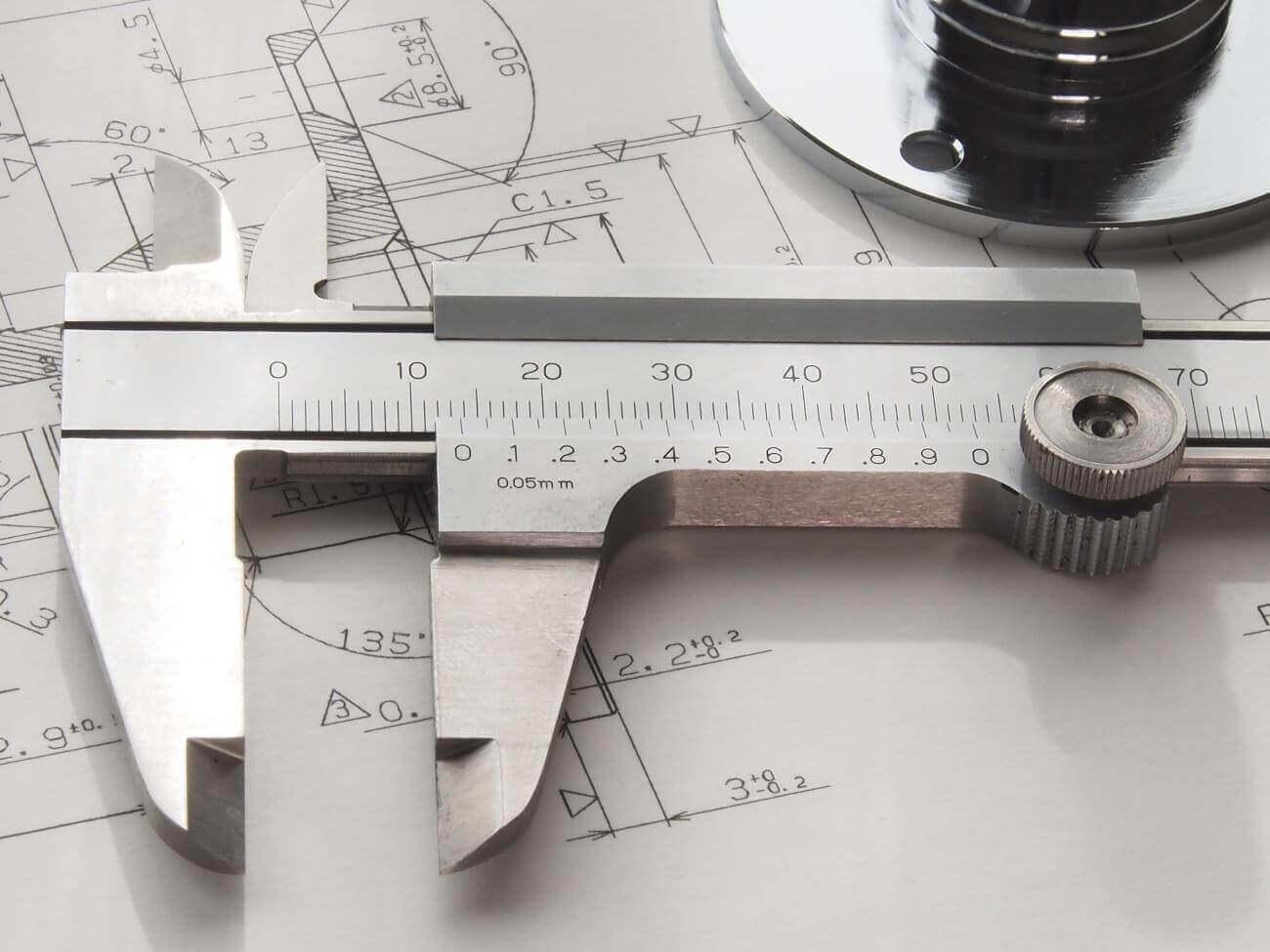 087fb4421e1f88 マシニングセンタは高価で大型の加工装置というイメージを持っている方がいるかもしれません。しかしマシニングセンタは量産部品の作成において、人件費の削減や加工  ...